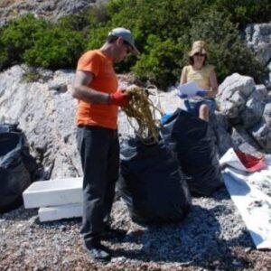 Πόσα απορρίμματα συγκεντρώθηκαν από τις ακτές της Αχαΐας – Σημαντική επιβάρυνση από τα πλαστικά